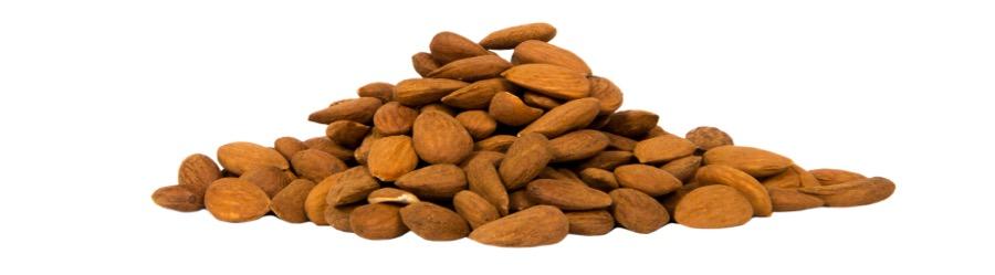 En hög med nyttiga mandlar är gott som mellanmål.